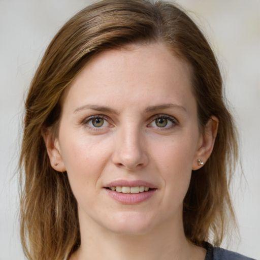 Anita MAmprin